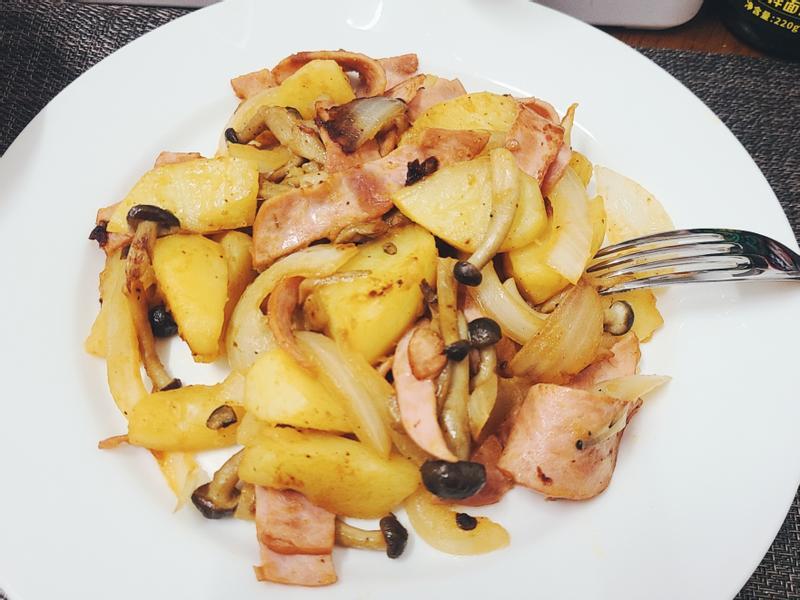 宵夜篇 | 德式醬油拌炒火腿马铃薯