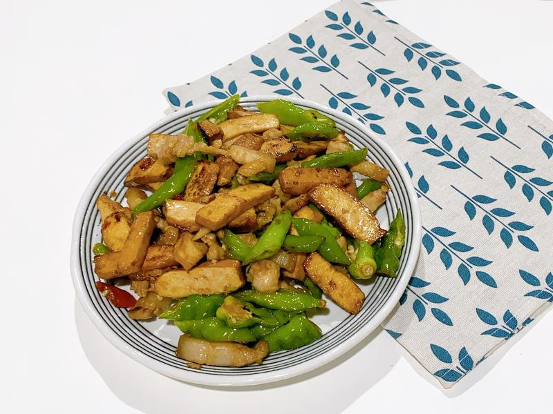 [家常料理]糯米椒炒肉絲豆乾