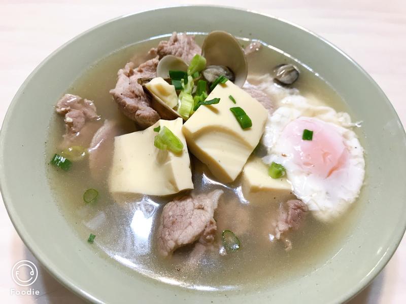 豬肉海鮮豆腐煲(豆腐村的味道)