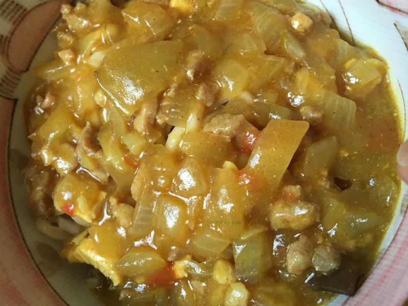 洋蔥咖喱肉末拌麵