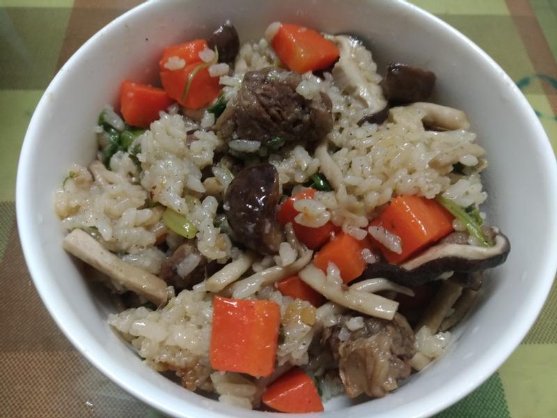 牛肉野菇炊飯