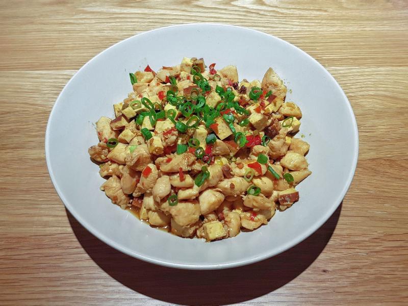 泡椒炒雞丁