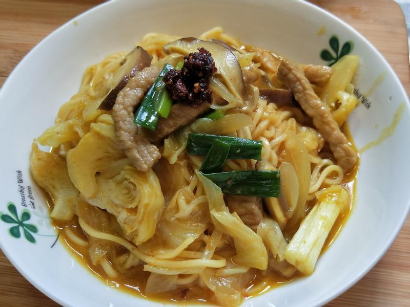 咖哩炒麵with牛頭牌咖哩炒醬