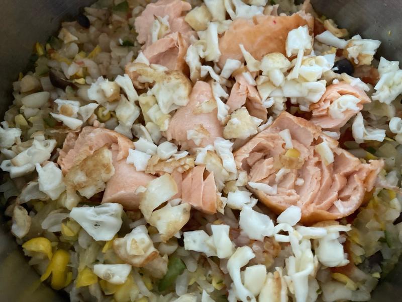 媽媽寶寶餐-番茄鮭魚炊飯
