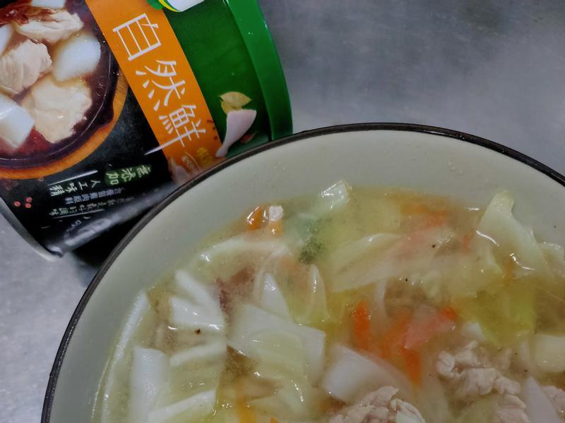 肉絲粿條湯