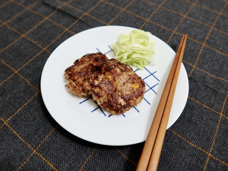 歐風玉米肉餅佐紅蔥醬