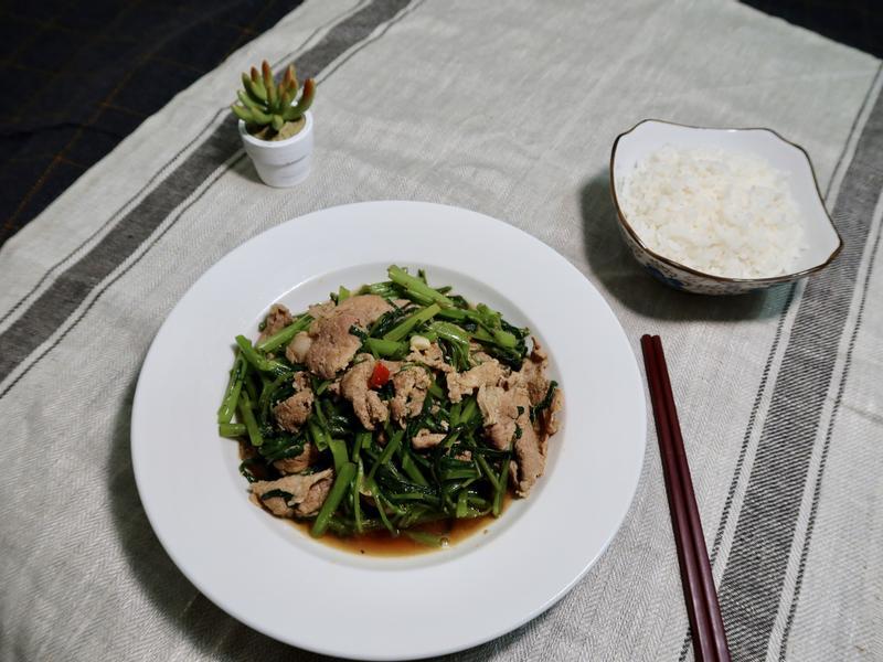 沙茶空心菜炒豬肉片