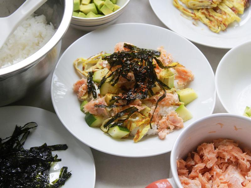 影片◆鮭魚散壽司◆超簡單夏日料理