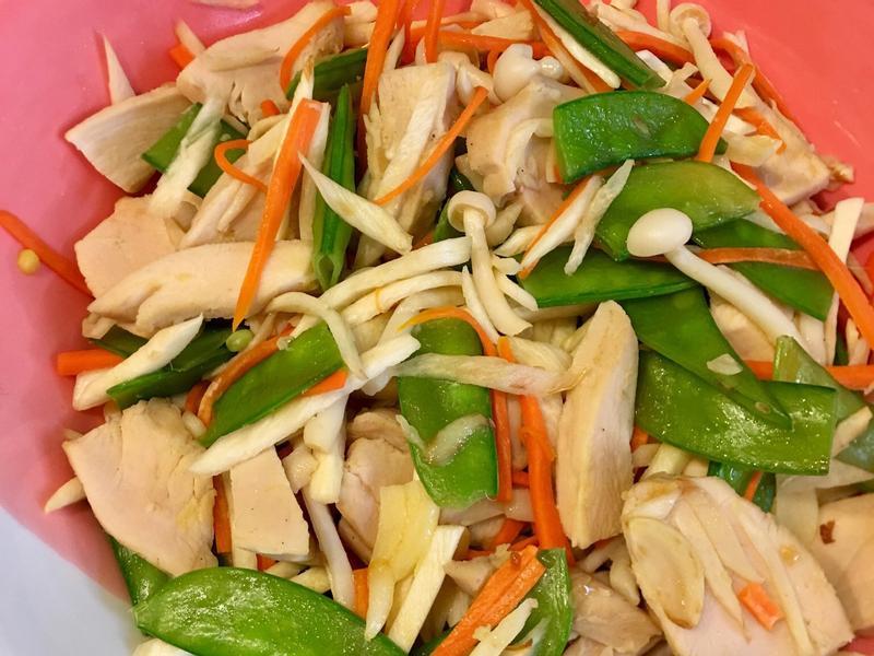 低醣高蛋白 雞胸肉拌炒時蔬