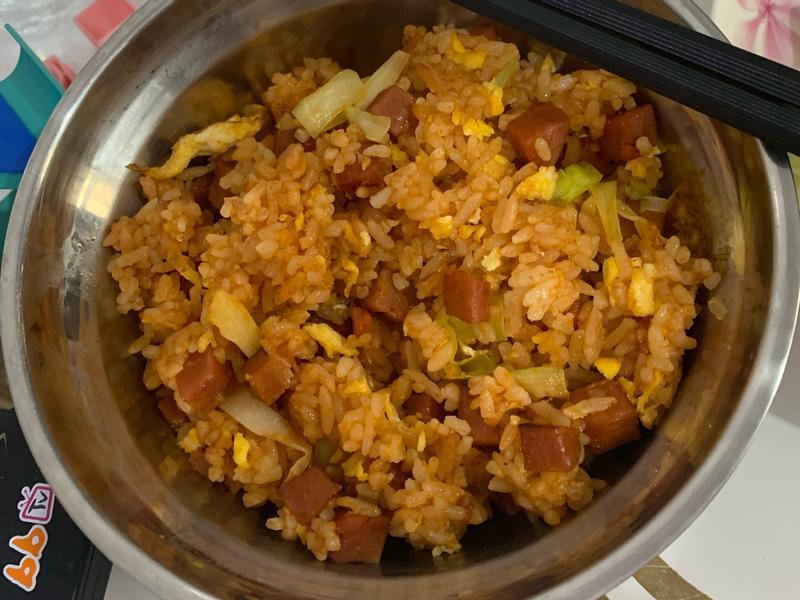 韭黃火腿番茄醬蛋炒飯