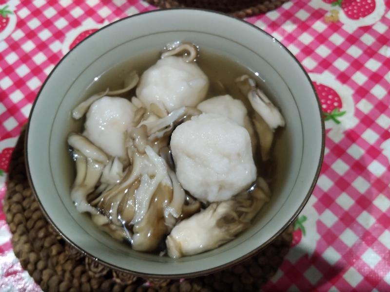 花枝丸舞菇湯