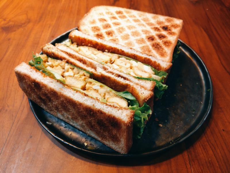 夏日鳳梨青檸雞柳蛋沙拉三明治