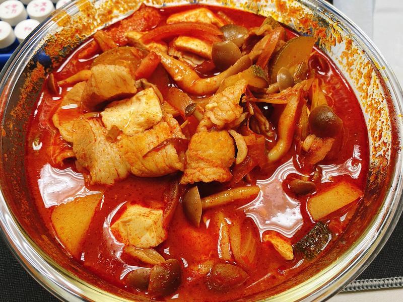 YT頻道[白種元的料理秘笈]辣椒醬鍋