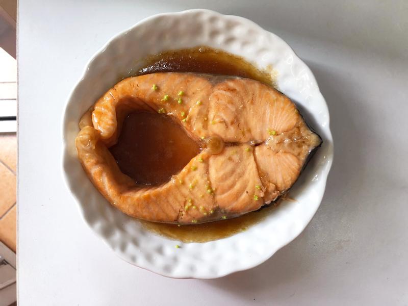 檸檬照燒煎鮭魚