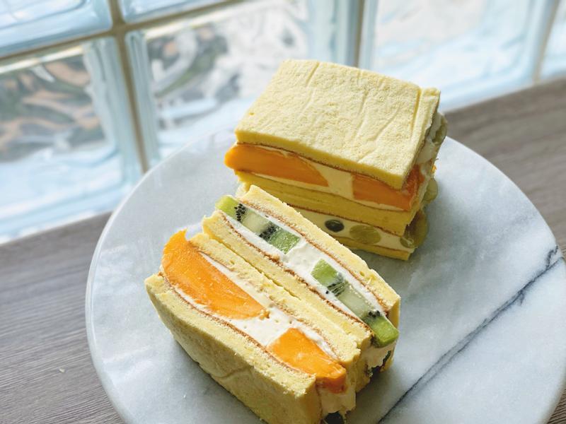 水果蛋糕三明治