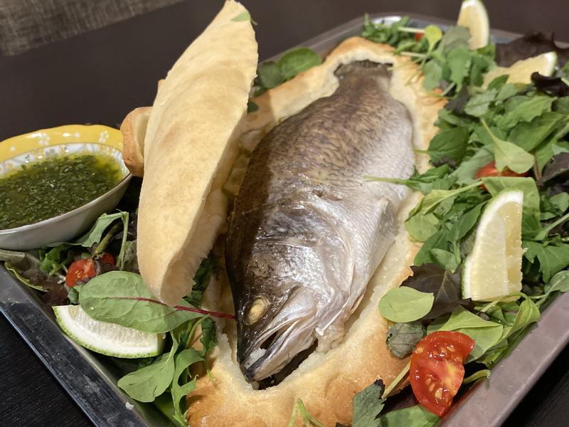 夏日鹽殼烤鱸魚