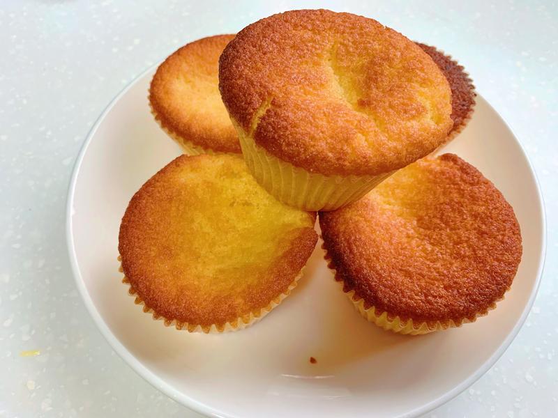 [烤箱料理]無麵粉檸檬杯子蛋糕(無麩質)