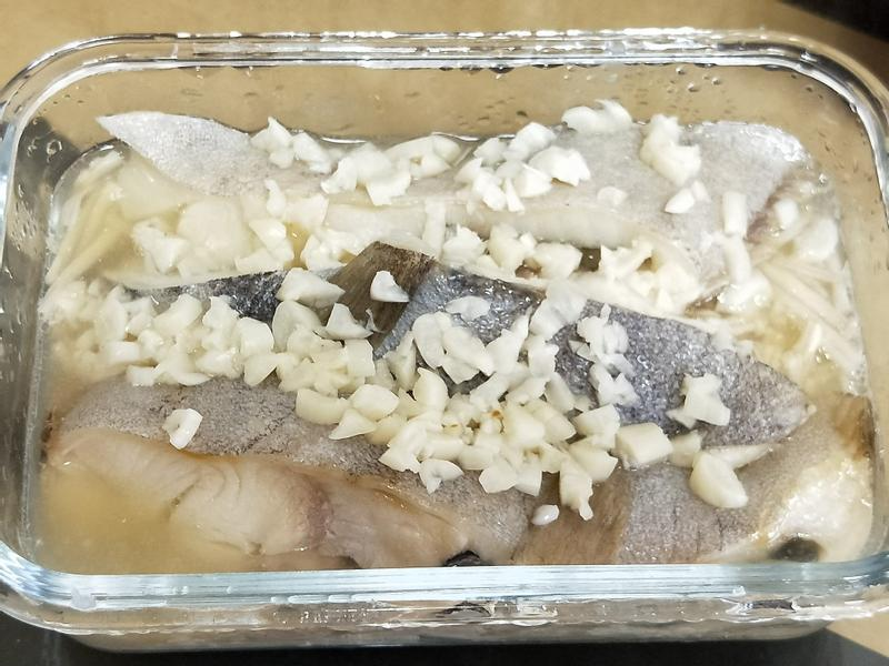 清蒸鱈魚金針菇