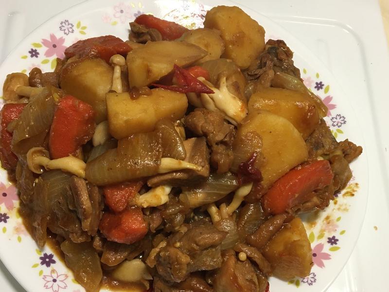 馬鈴薯炒雞腿