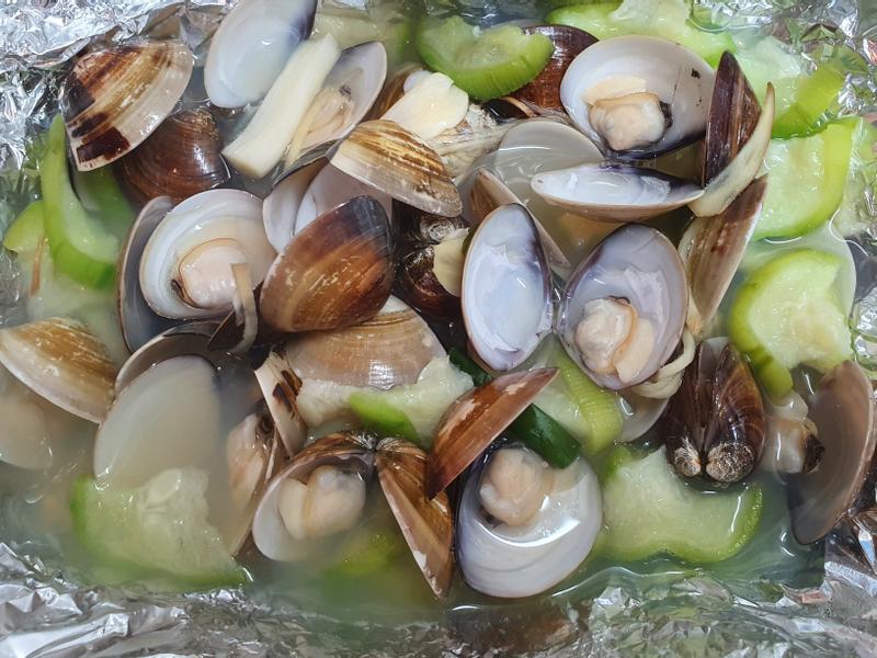 炒絲瓜蛤蠣