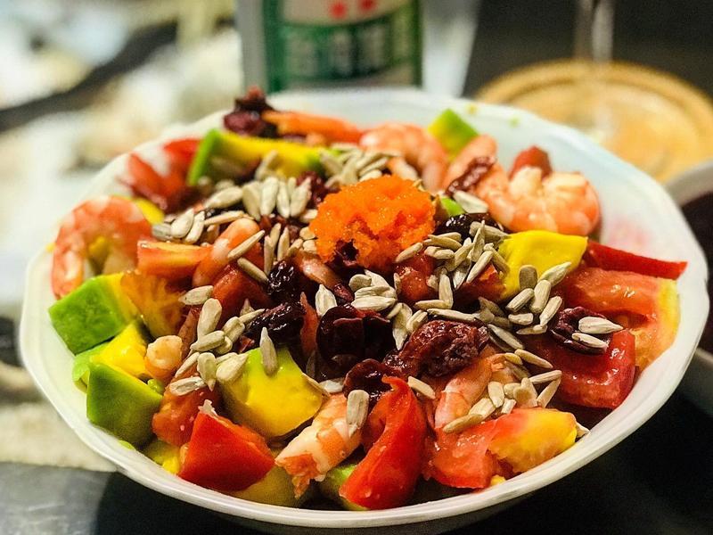 酪梨堅果蝦沙拉