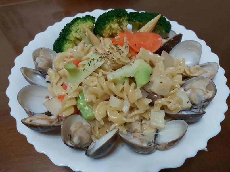 奶油蛤蜊義大利麵