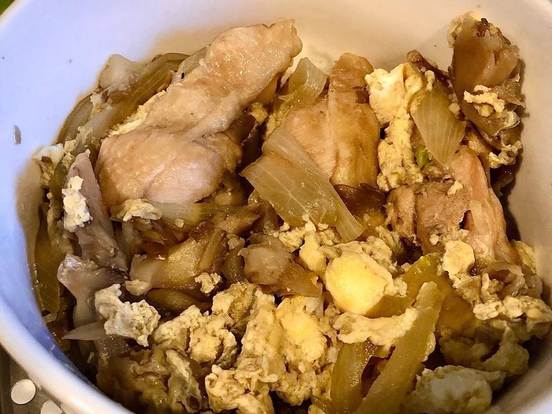 親子菇菇雞丼