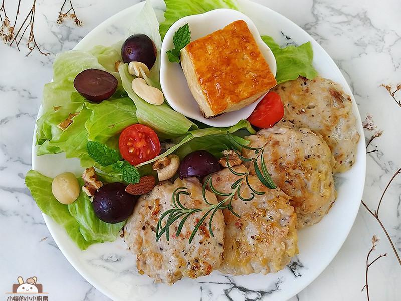 起司鮪魚雞肉餅〞簡易低醣常備菜!