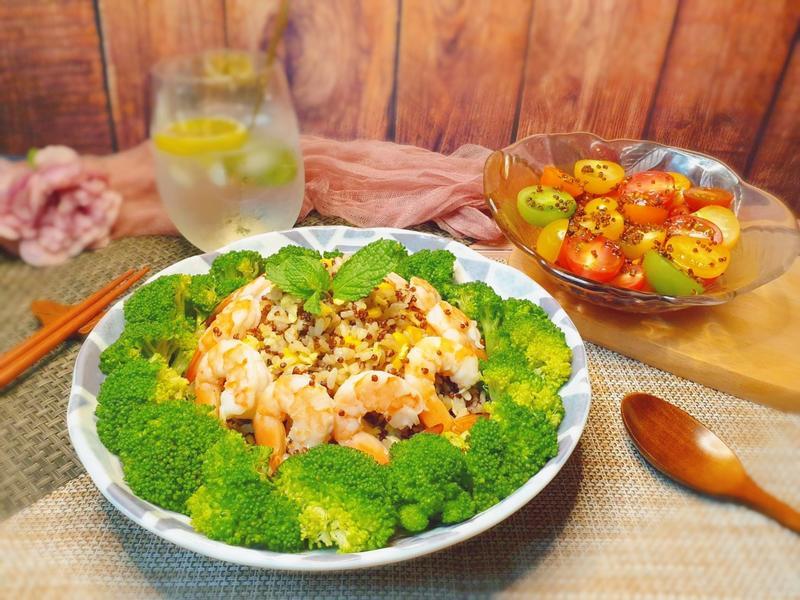 紅藜嫩蝦炒飯佐鮮果彩蔬