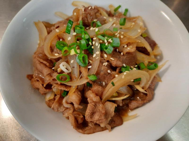 洋蔥炒牛肉(牛丼)