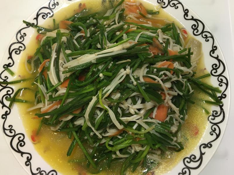 水蓮炒金針菇
