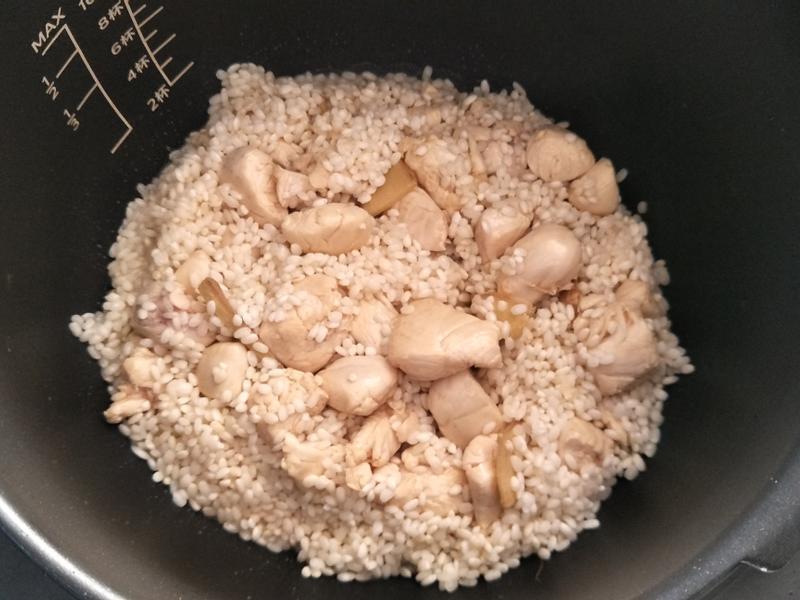 麻油雞肉糯米飯之金小萬