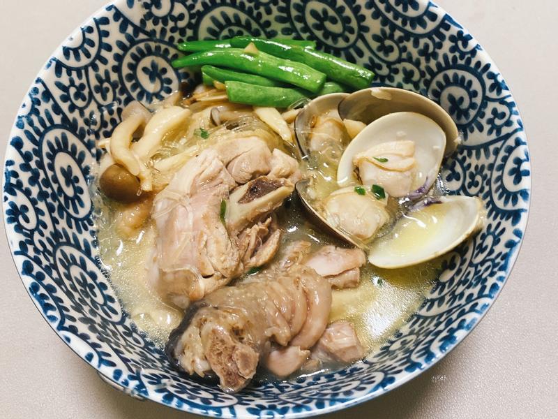 蒜頭蛤蜊雞湯冬粉