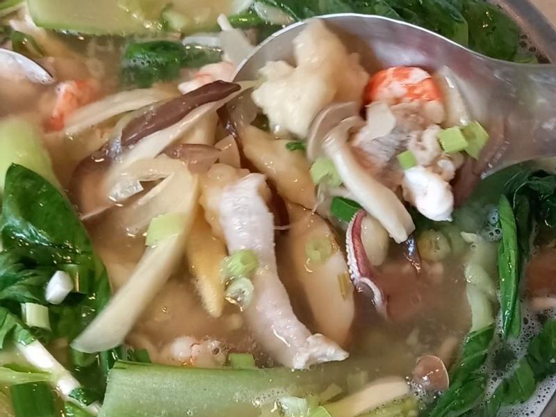 澎湃海鮮麵疙瘩