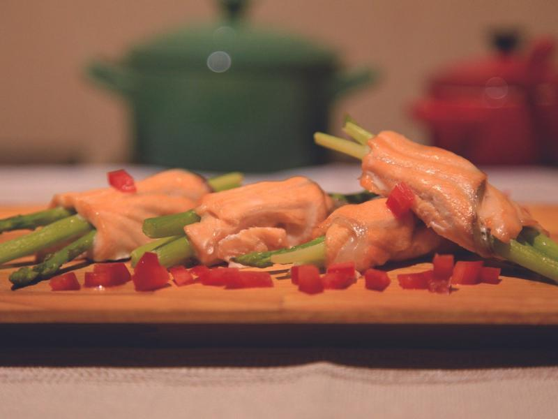 鮭魚蘆筍捲