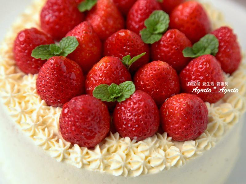 [阿妮塔♥sweet] 草莓鮮奶油蛋糕。(奶茶戚風蛋糕體)