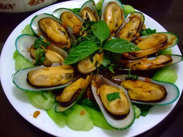 萬家香大吟釀薄鹽醬油---塔香孔雀蛤