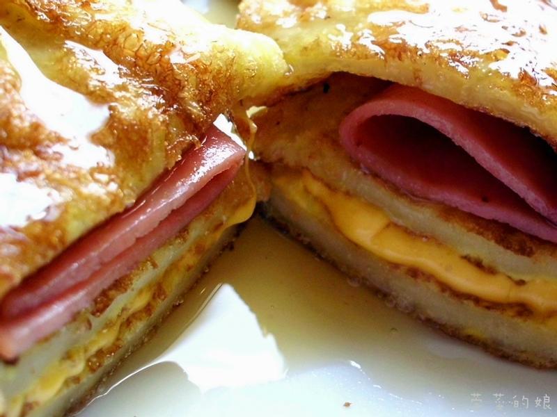 【Take a bread!創意三明治、麵包早餐】。蜂蜜法國土司三明治