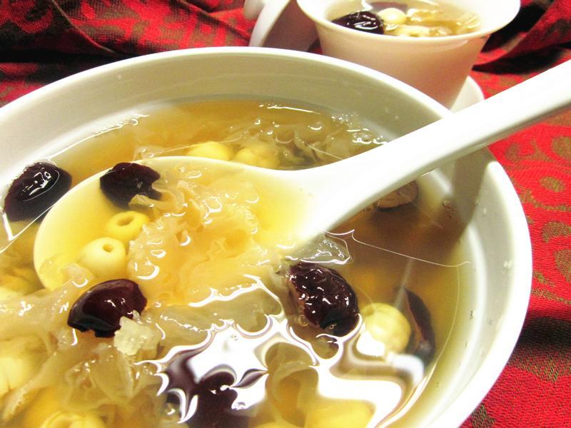 木耳紅棗蓮子湯(電鍋版)