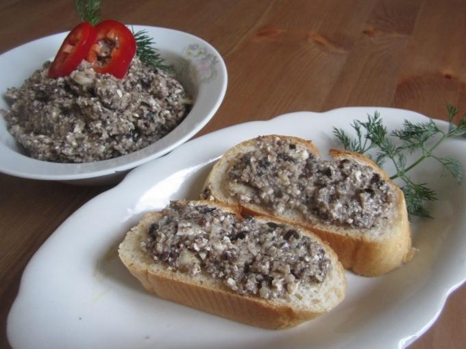 俄式洋菇橄欖抹醬