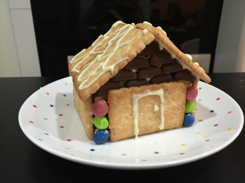 聖誕薑餅屋 <可口奶滋+巧克力>