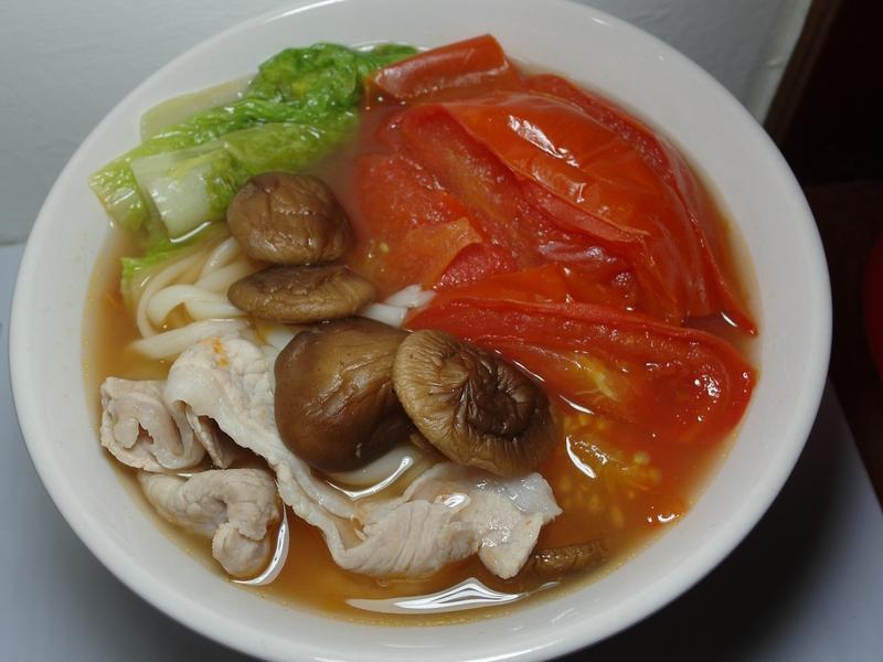 """[電鍋]清甜好風味""""豬肉番茄麵"""""""