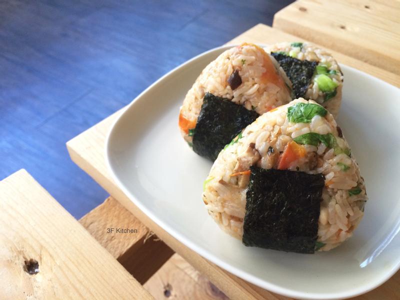 青江菜番茄起司燉飯握飯糰 / 奶素