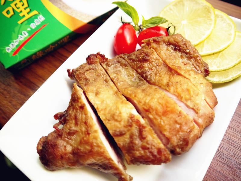 零廚藝~泰式脆皮雞腿排【穀盛綠咖哩】