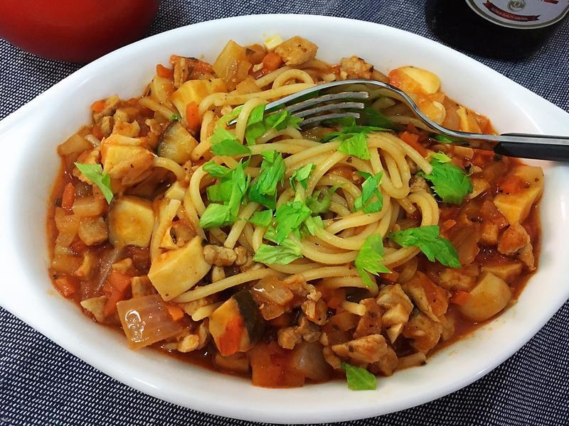 杏苞菇蕃茄肉醬義大利麵