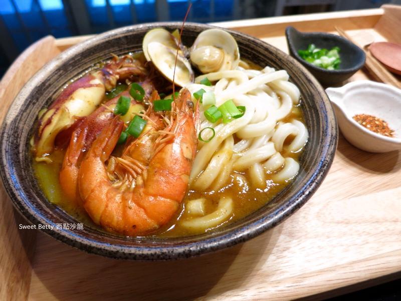 咖哩海鮮烏龍麵