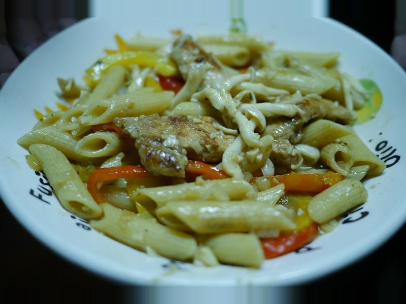 「康寶鮮味炒手鰹魚風味」 雞肉彩椒義大利麵