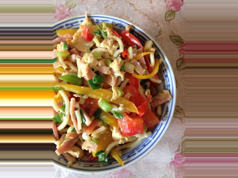 健康紅黃椒火腿蛋炒麵