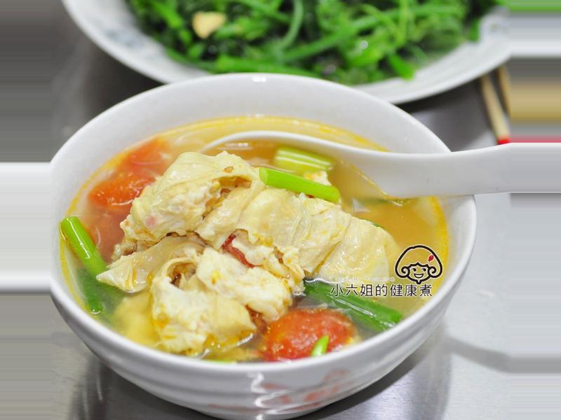 蕃茄豆包蔬菜湯