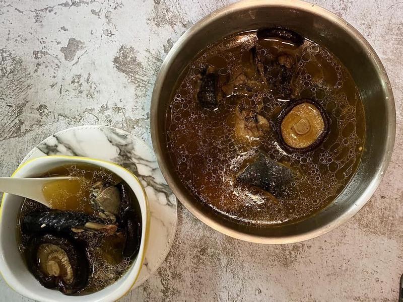 香菇烏骨雞湯☀️飛利浦智慧萬用鍋